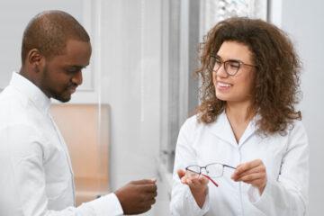 La montatura per gli occhiali, una scelta non casuale