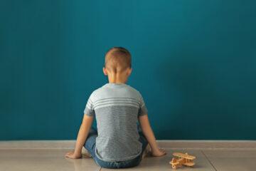 Trentino: Rifiutano il figlio di 11 anni perché autistico, affidato al tribunale dei minori