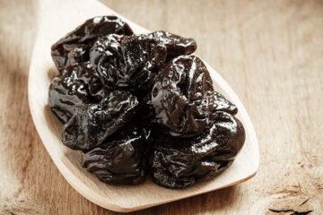 Prugne secche, alimento anti colesterolo
