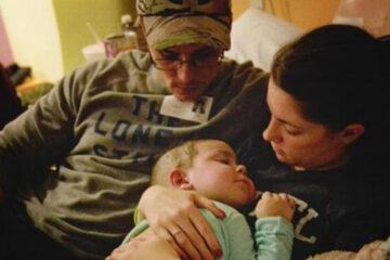 A due anni muore di linfoma. Fanno il giro del mondo  le toccanti parole di ringraziamenti dei genitori agli infermieri che l'hanno assistita