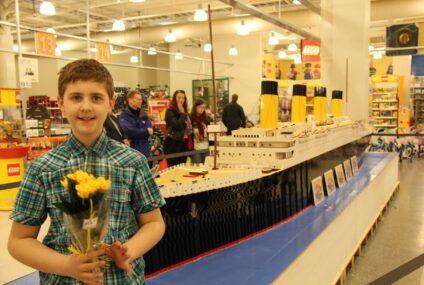 La riproduzione del famoso Titanic fatta con 56mila pezzi di Lego, l'opera memorabile di un bambino autistico