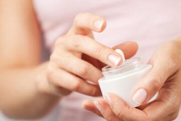 Acquista una crema antirughe online e finisce in coma dopo averla usata