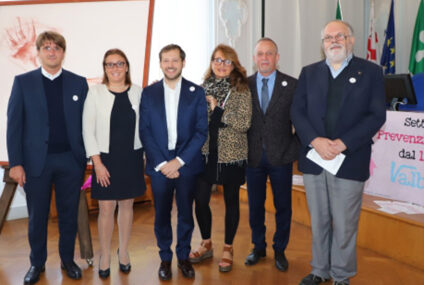 Valbossa in Rosa, dieci Comuni, una Bcc, associazioni e commercianti uniti nella lotta al cancro al seno