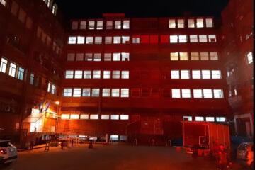 Giornata mondiale AIDS: il Cotugno si è accende di rosso