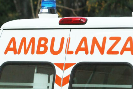 Chiusi in ambulanza per non essere aggrediti