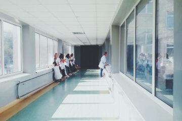 Laurea in Medicina abilitante, ma non per tutti: 1000 medici fuori dal sistema