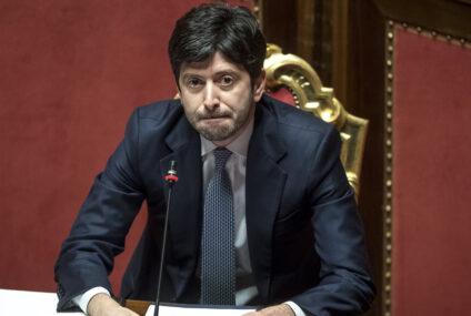 Speranza firma nuova ordinanza: Campania in zona rossa, Veneto e Friuli in arancione