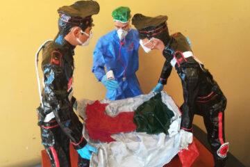 Napoli: I Carabinieri donano una statua in carta pesta al personale sanitario dell'Azienda Ospedaliera dei Colli