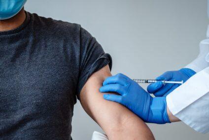 Covid-19: Gran Bretagna ha approvato l'uso del vaccino della Pfizer-BioNTech