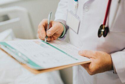 Scuola: Lombardi (M5S), ok a odg per rendere strutturale figura medico scolastico