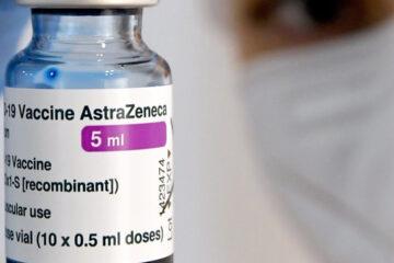 La campagna vaccinale apre alla categoria 60-79 la somministrazione di Vaxzevria(Astra Zeneca)