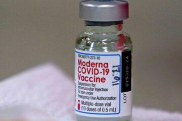 Nuovo approvvigionamento di vaccini Moderna: arrivate 500 mila dosi